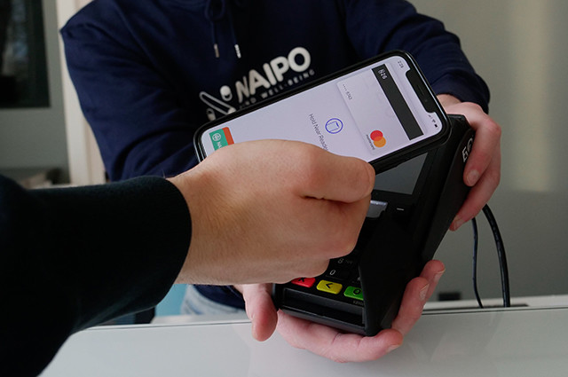 jak platit mobilem