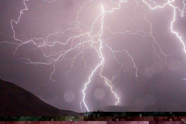 jak vypočítat vzdálenost bouřky